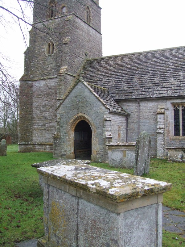 Chest tomb in Holy Cross churchyard, Babcary
