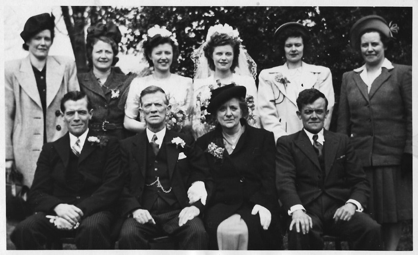 John Walter Price and family at Tess' wedding in 1948