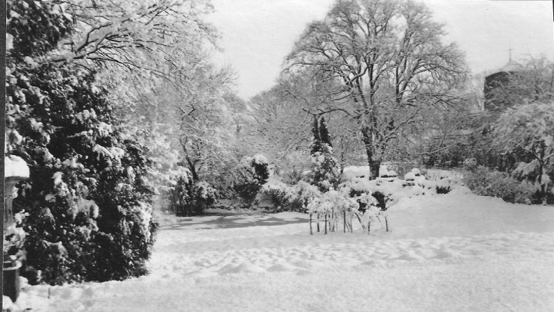 Careby Rectory Gardens in January 1918