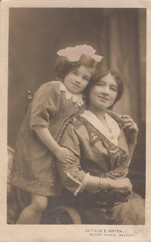 Edith and May Lewis