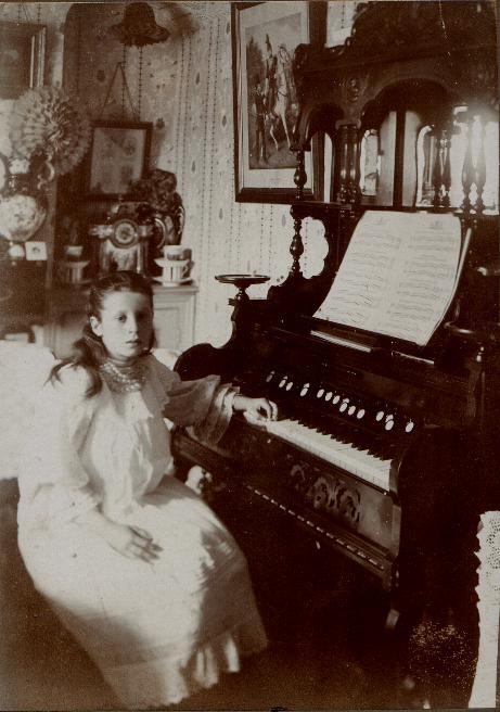 Maria Jones at the American organ