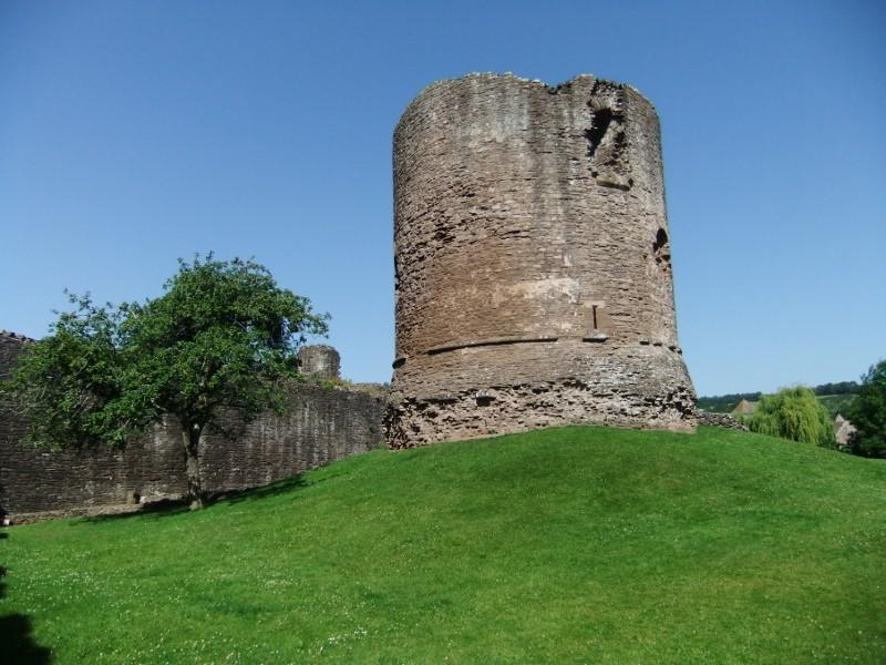 Skenfrith, castle keep